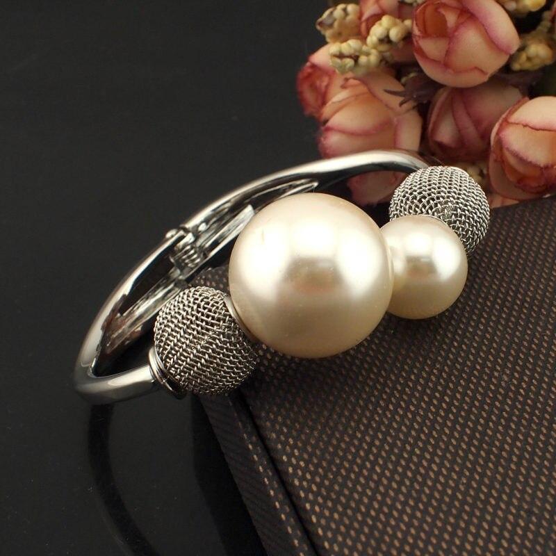 Bijoux de perles charmants